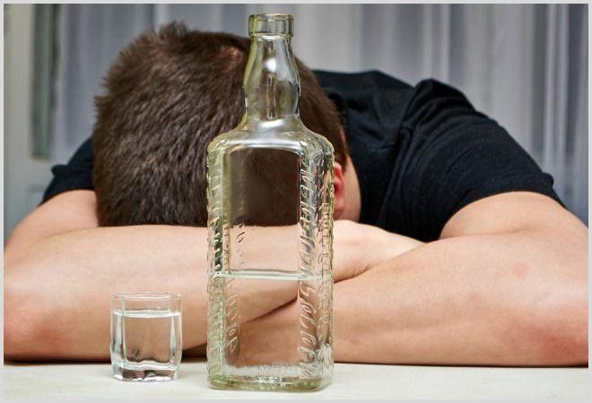 Что делать и как убрать отек если после пьянки опухло лицо. Как убрать опухоль с глаз после пьянки