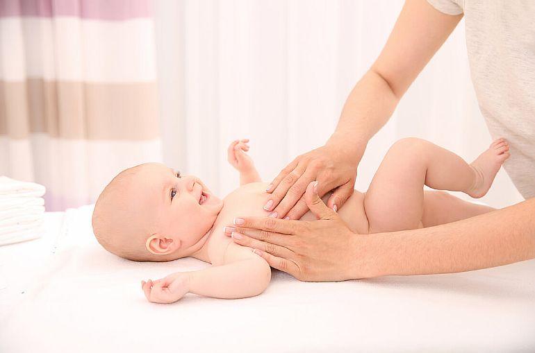 Детский массаж: когда и с чего начать?